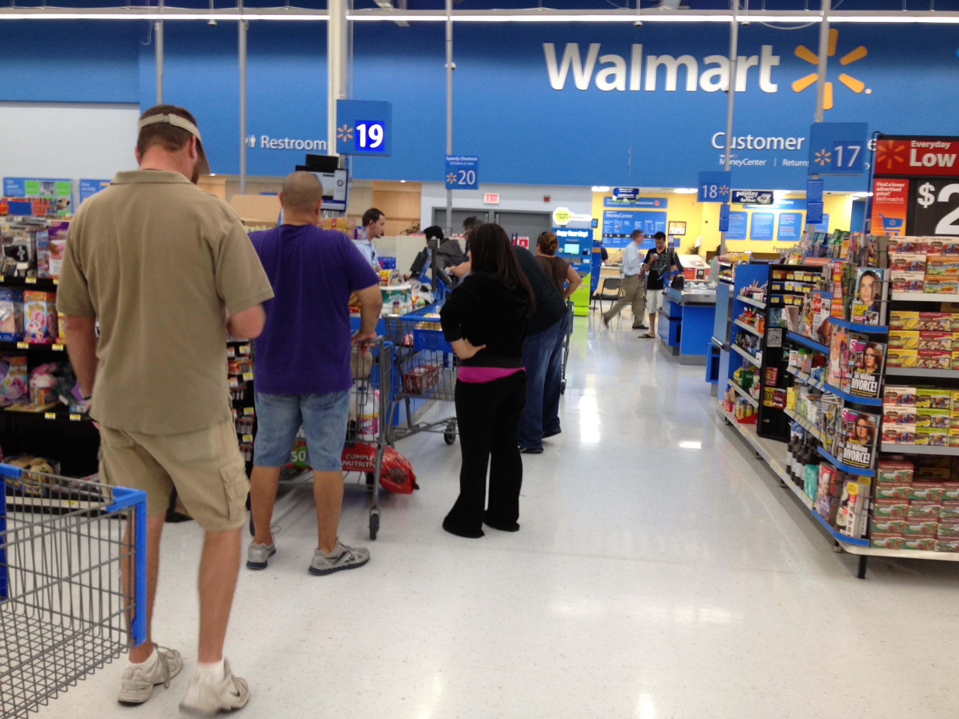People Of Walmart Why So Serious A typical walmart in the us | 3264 x 2448 jpeg 2217kB